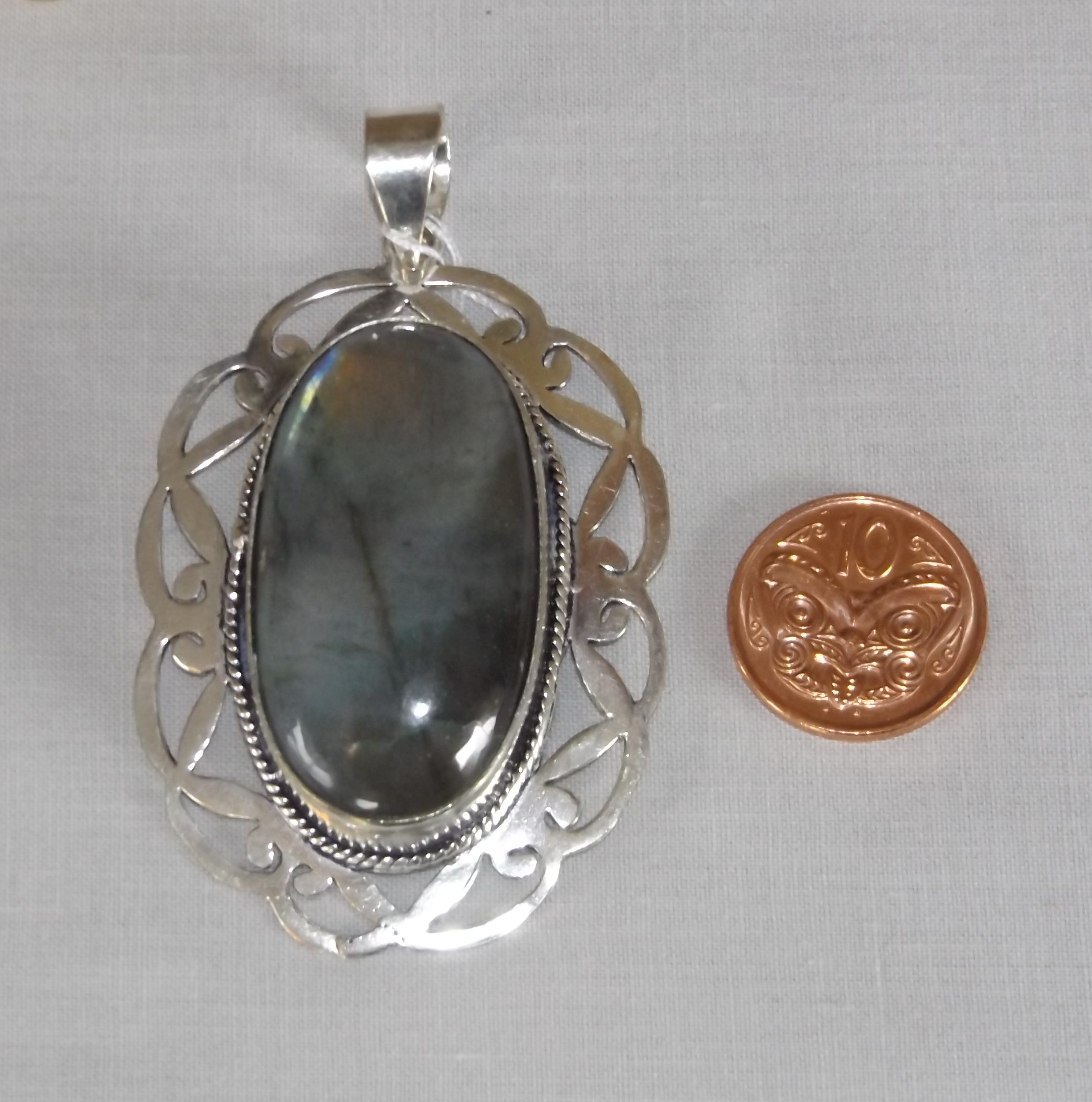 largest finnish our labradorite pendant m